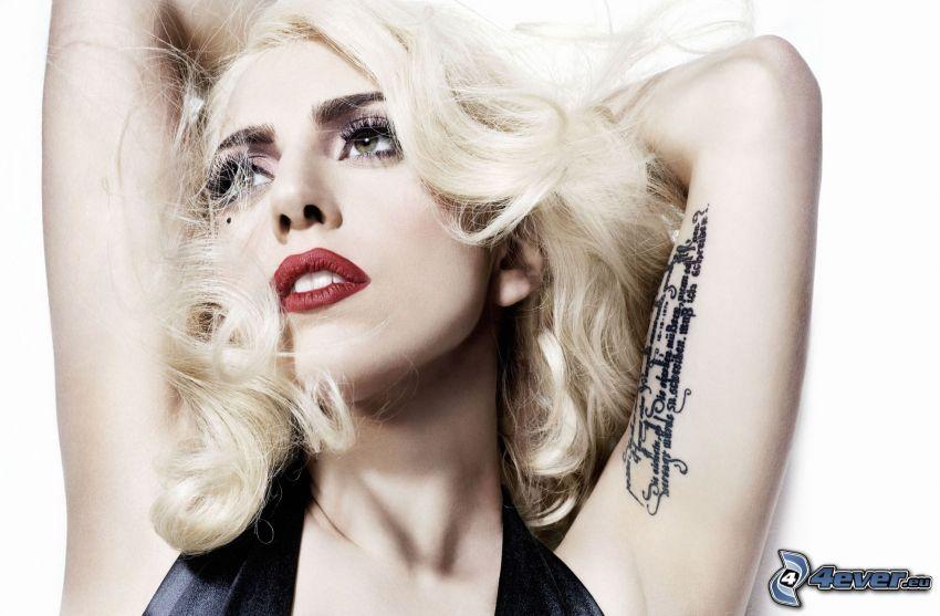 Lady Gaga, Tätowierung auf der Hand