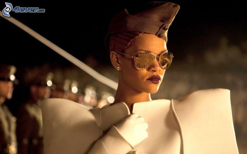 Rihanna, Sonnenbrille