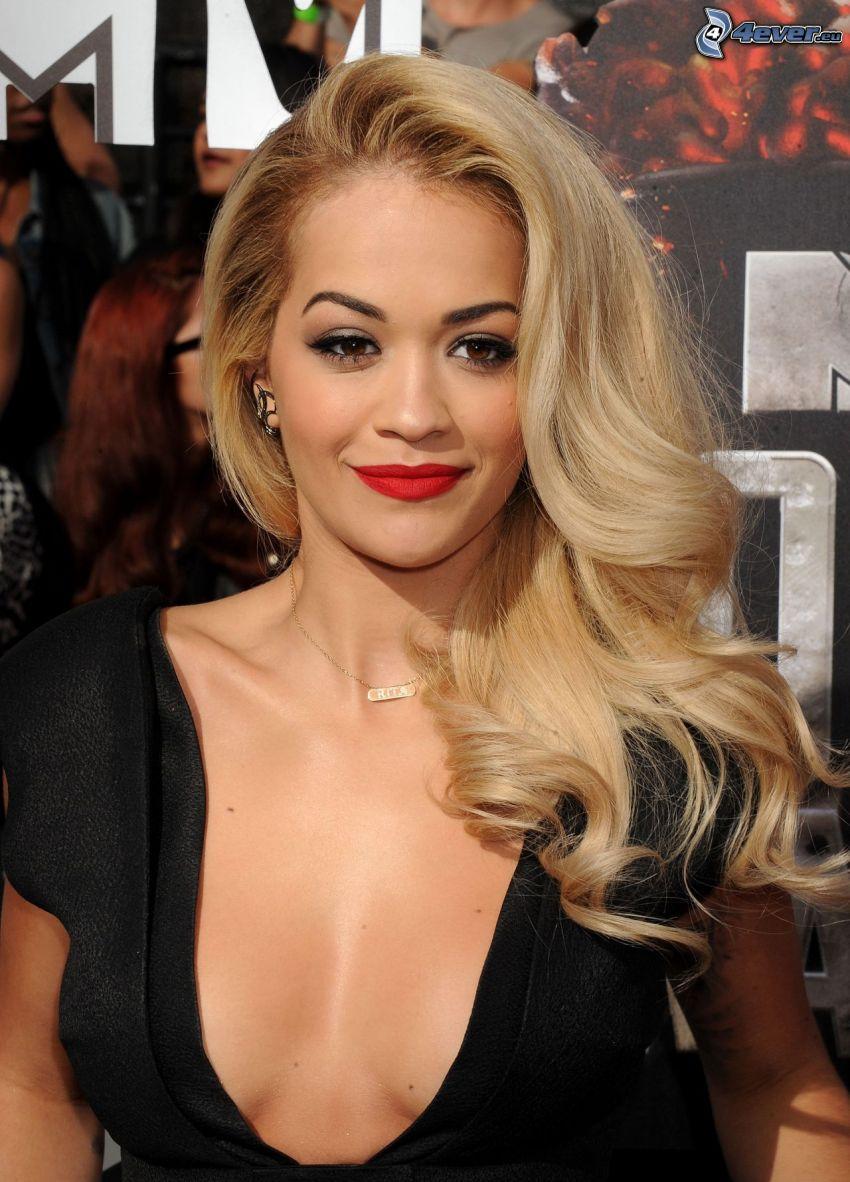 Rita Ora, rote Lippen