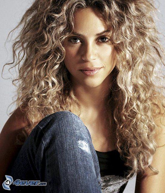 Shakira, lockiges Haar