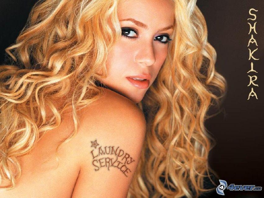 Shakira - Laundry Service, Tätowierung auf der Hand, Sängerin, lockiges Haar