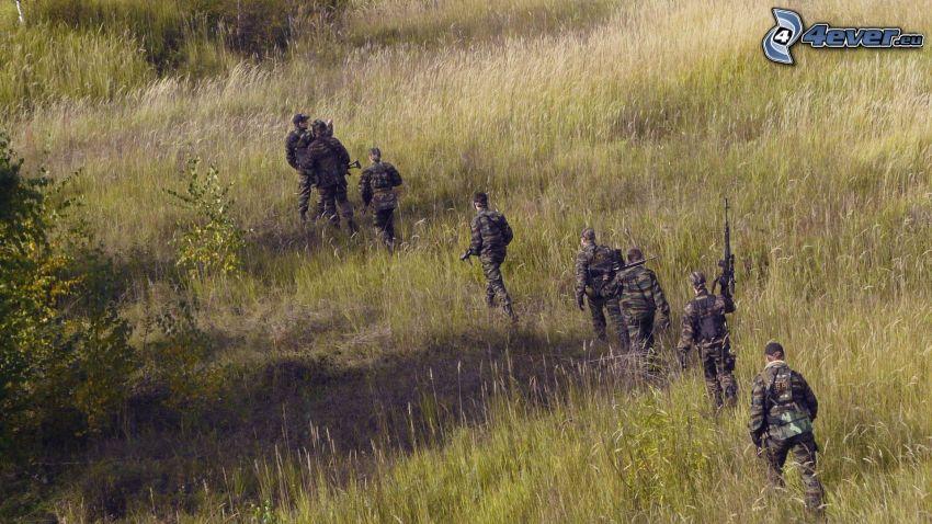Soldaten, Feld