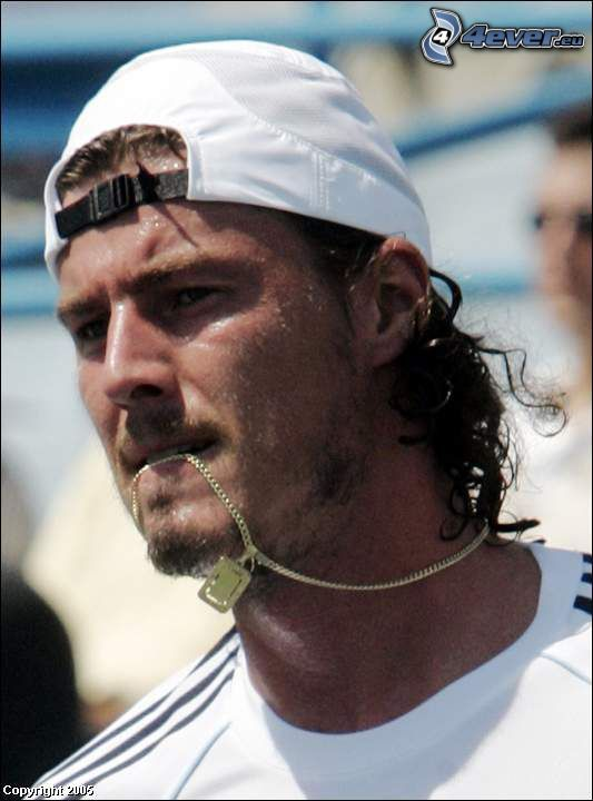 Rafael Nadal, Tennisspieler, Halskette, Baseballcap