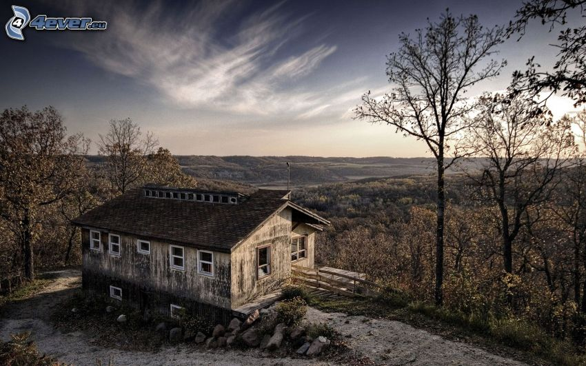 altes Haus, Aussicht auf die Landschaft, Bäume
