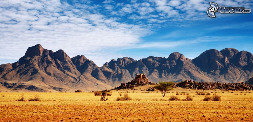 Berge, Wüste, Wolken