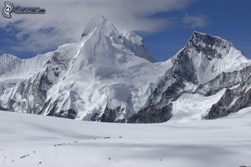 Cho Oyu, Schneebedeckte Berge