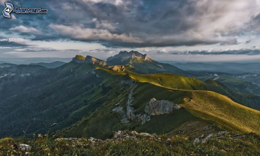 felsige Berge, Grün, Aussicht auf die Landschaft