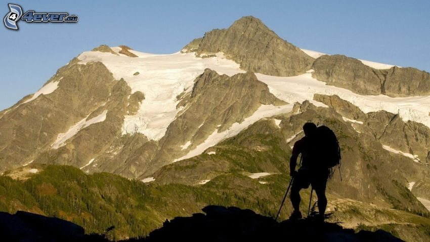 felsige Berge, Tourist, Silhouette eines Mannes