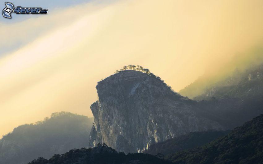 felsiger Berg