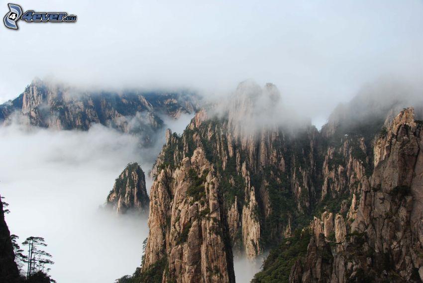 Huangshan, felsige Berge, Wolken