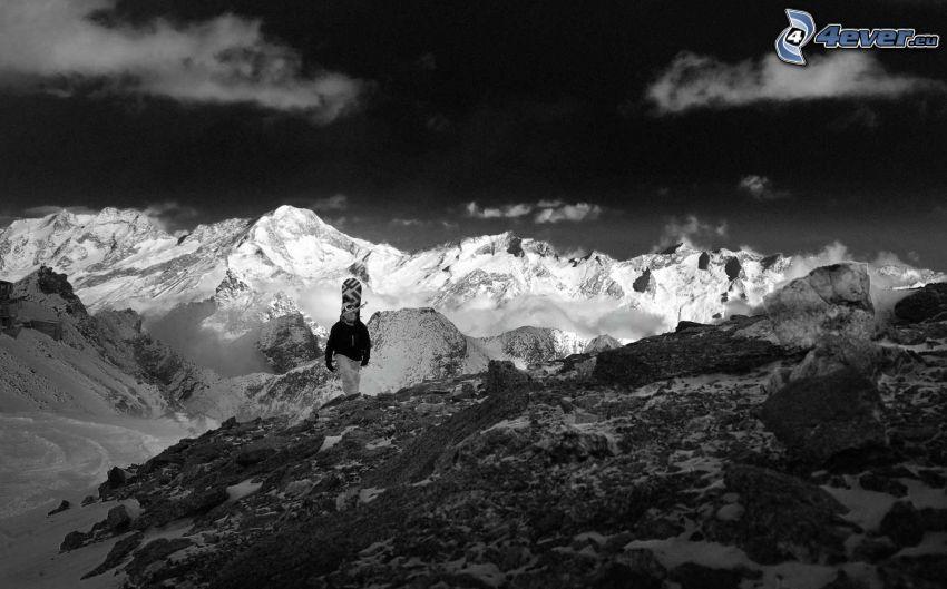 schneebedeckte Berge, Tourist, Snowboarder