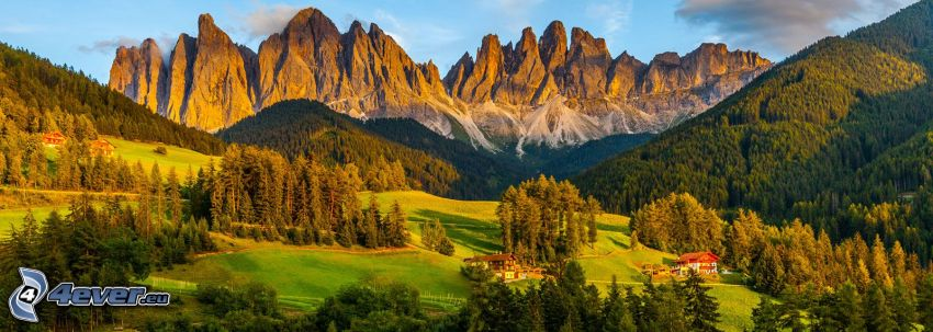 Val di Funes, Wälder und Wiesen, felsige Berge, Italien