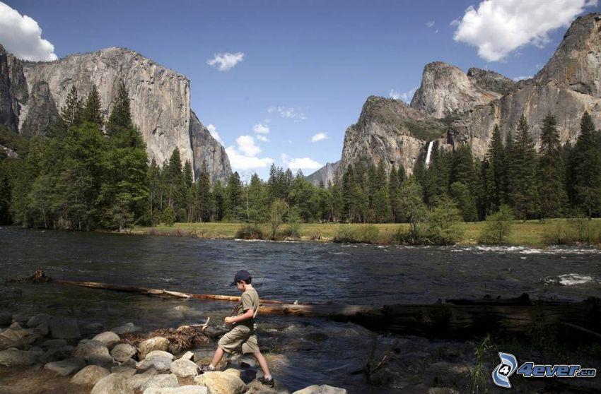 Fluss im Yosemite-Nationalpark, Felsen