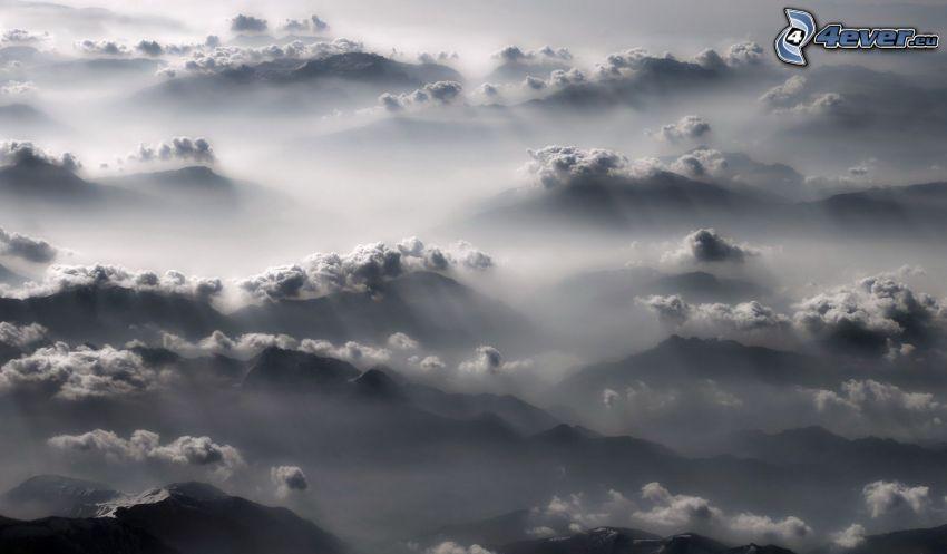 Boden Nebel, Hügelland, Wolken