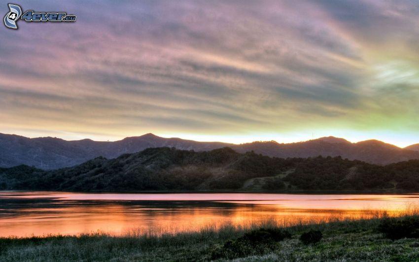 abendlicher ruhiger See