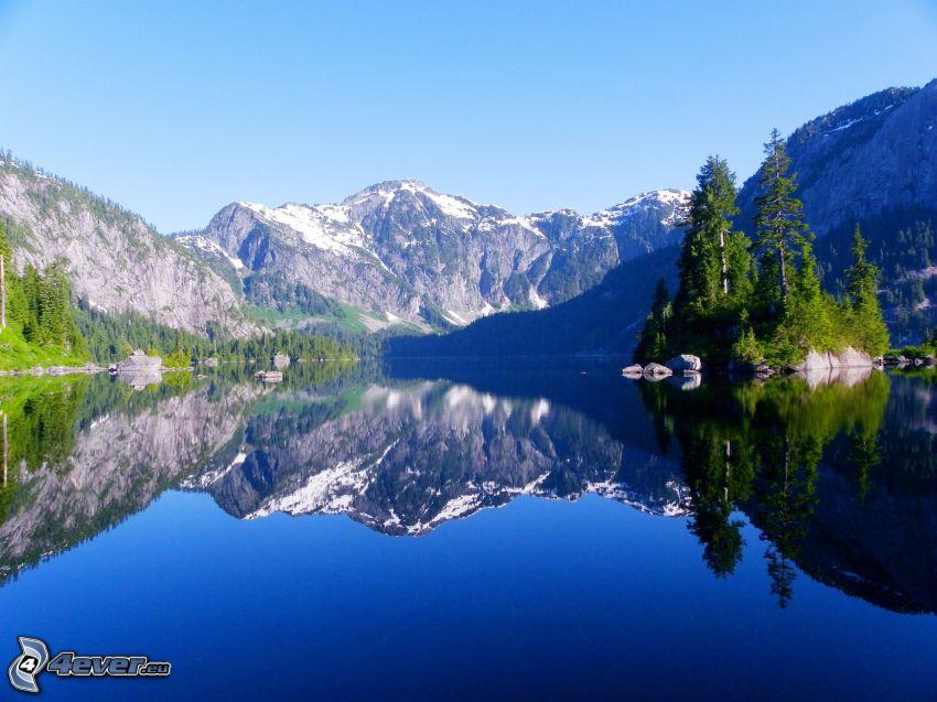 felsige Berge, See, Spiegelung