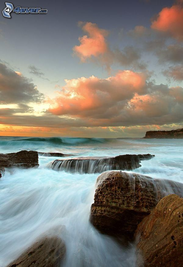 felsige Küste, Sonnenaufgang