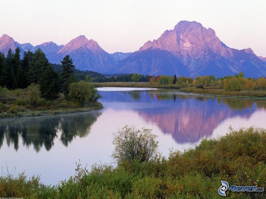 Grand-Teton-Nationalpark, Snake River, Berge, Bäume am Fluss, Spiegelung