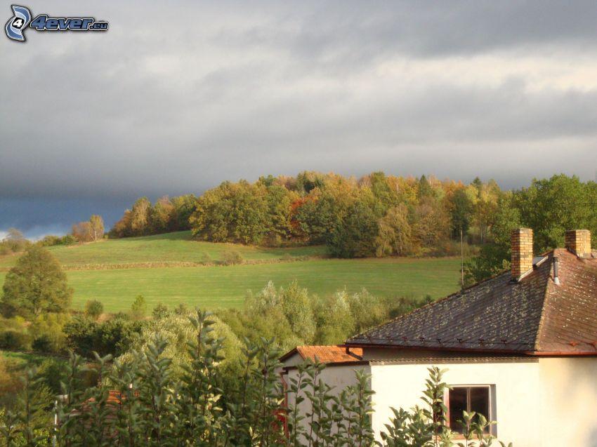 Hügel, Wolken, Wald, Haus
