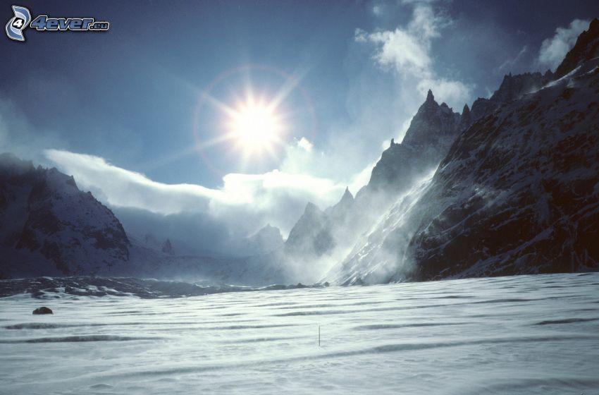 schneebedeckte Berge, Schnee, Sonne
