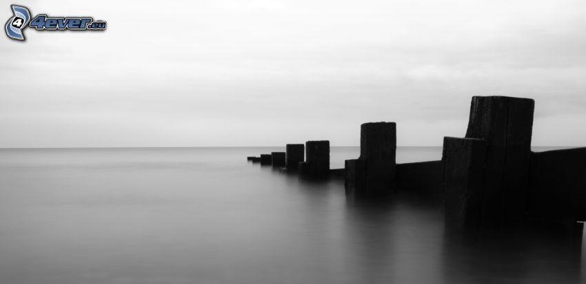 Blöcke, Meer, schwarzweiß