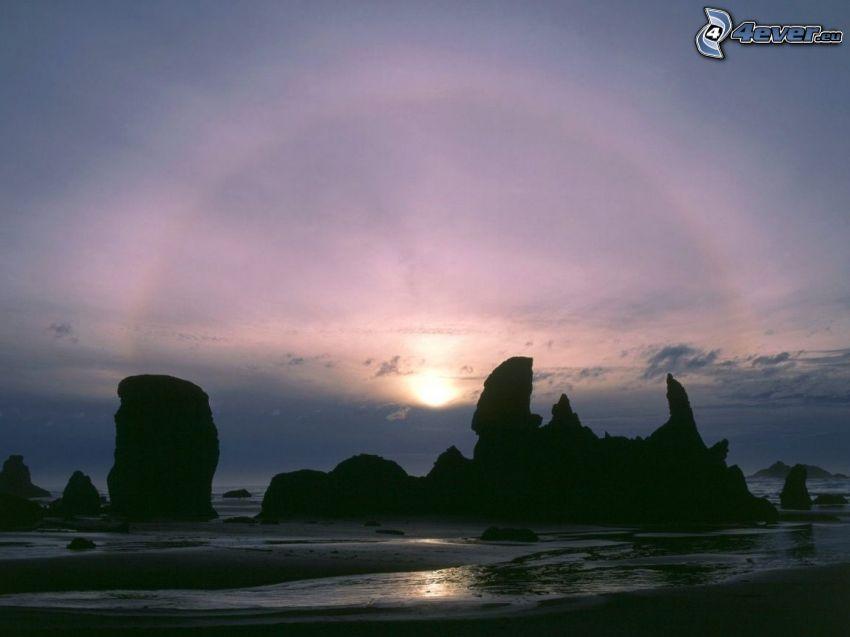 Felsen im Meer, Meer, Silhouetten, Sonnenaufgang