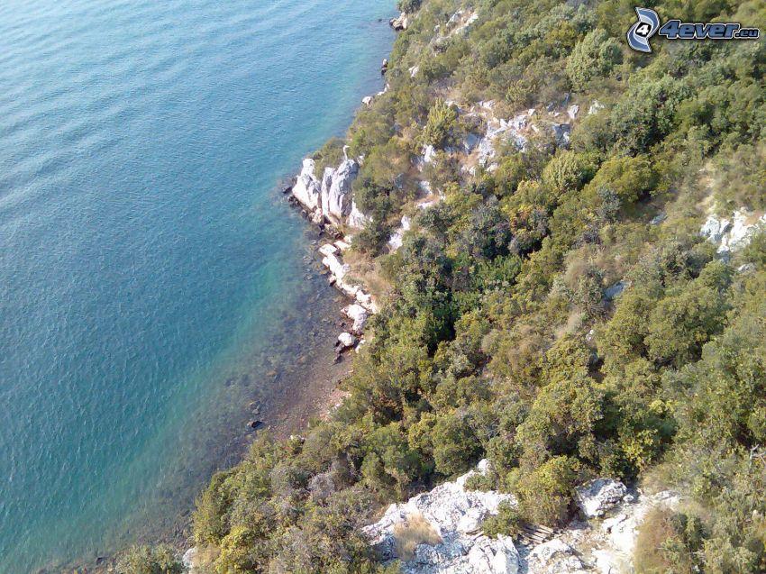 Klippe, azurblaues Meer, Bucht