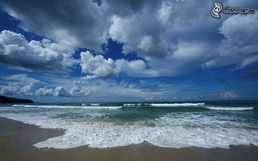 Sandstrand, Meer, Wolken