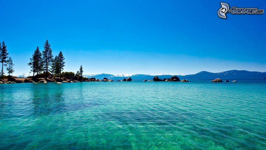 seichtes azurblaues Meer, Küste