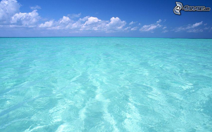 seichtes azurblaues Meer, offenes Meer