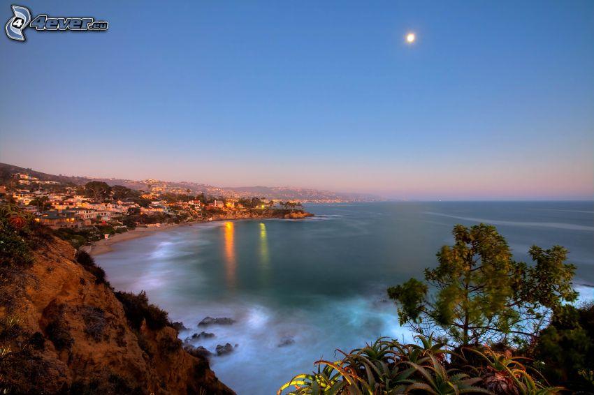 Stadt am Meer, Abend