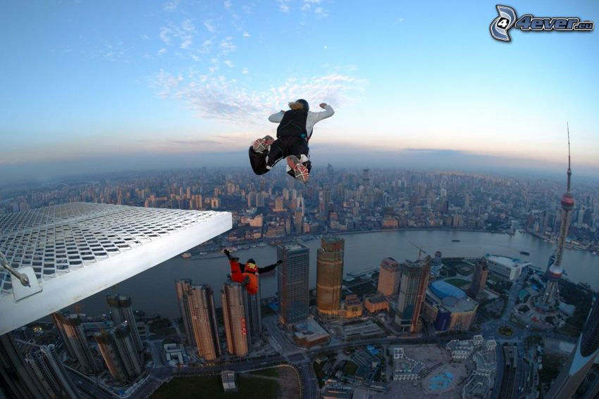 BASE Jump, Freifall, City