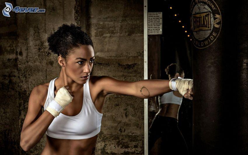 Boxen, schwarze Frau