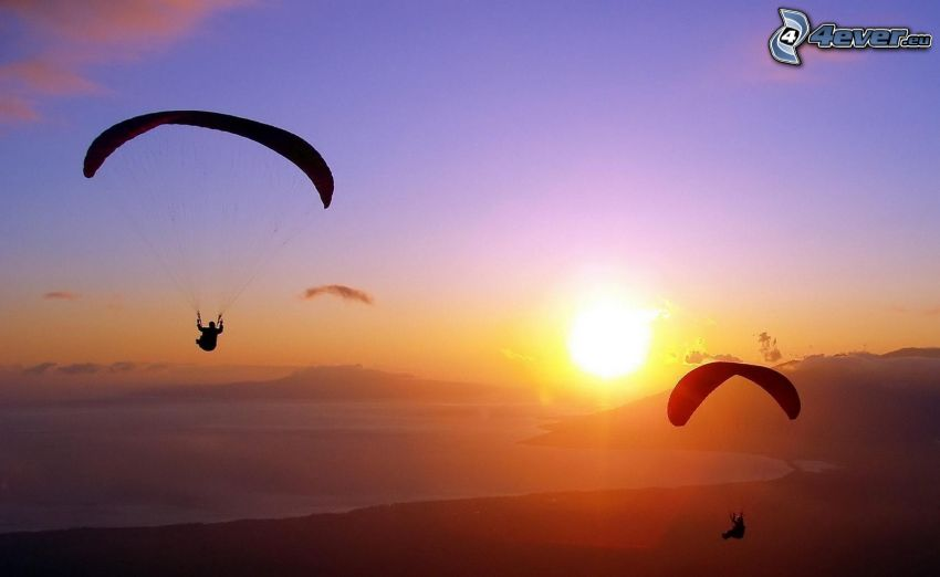 Gleitschirmfliegen, Sonnenuntergang