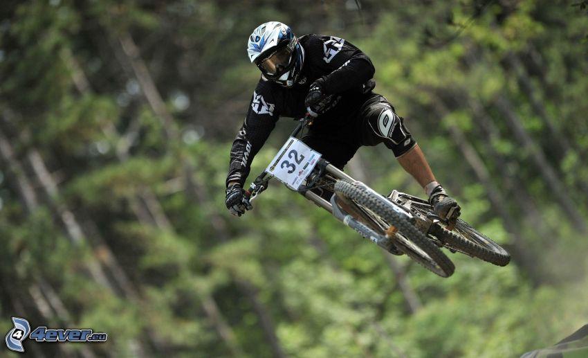 MTB Downhill, Sprung