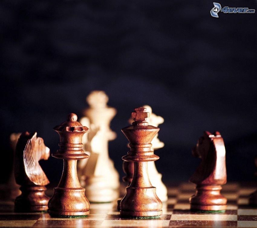 Schachfiguren, Schach