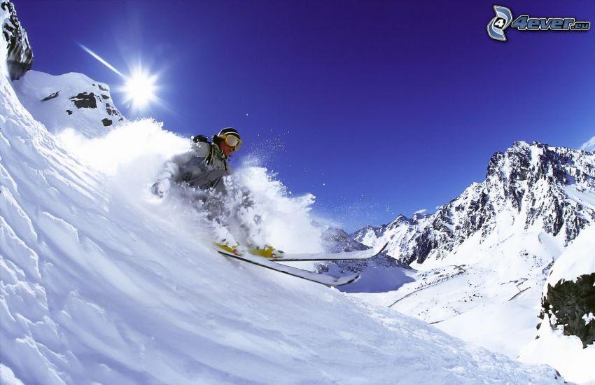 Extrem-Skifahren, Schnee, Sonne, schneebedeckte Berge