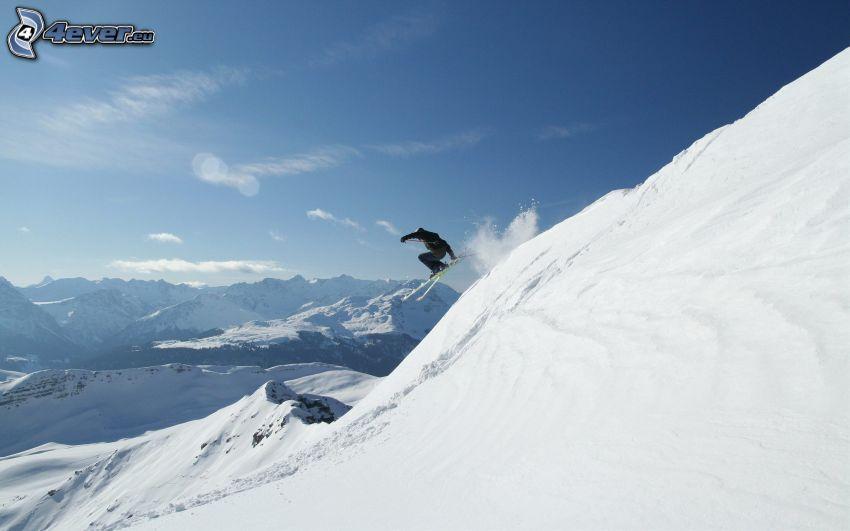 Extrem-Skifahren, Skisprung, schneebedeckte Berge