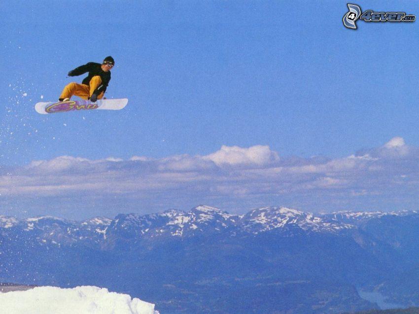 Snowboard-Sprung, Berge, Schnee
