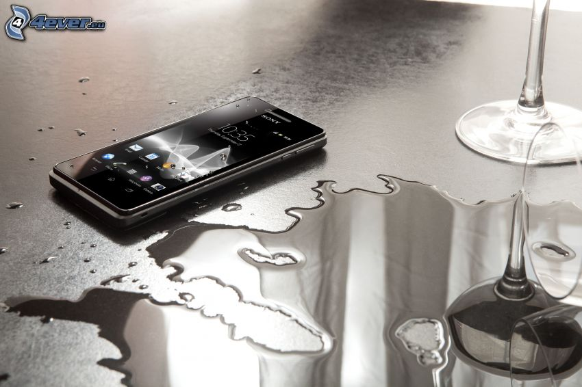 Handy, Wasser, Sony