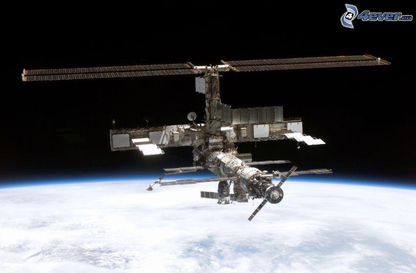 ISS über der Erde