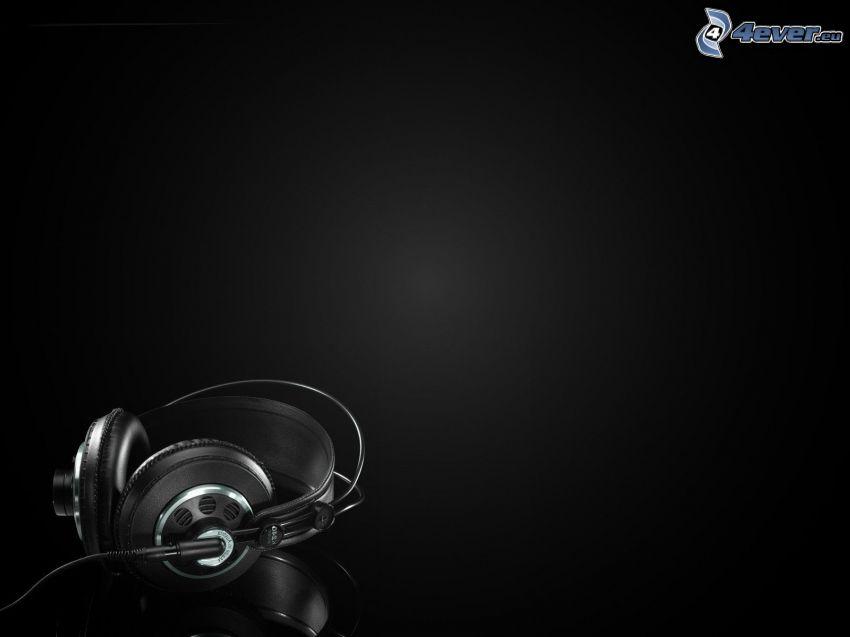 Kopfhörer, schwarzem Hintergrund