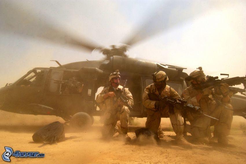 militärischer Hubschrauber, Soldaten