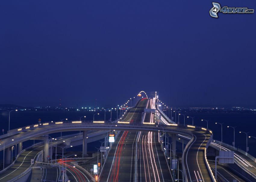 abend Autobahn, Autobahnbrücke, Verkehr