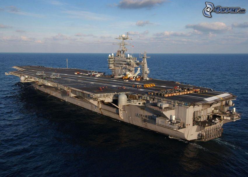 USS George Washington, Flugzeugträger, offenes Meer