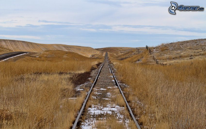 alten Schienen, ausgetrocknete Steppe-Landschaft
