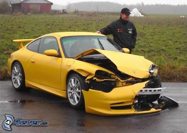 Porsche 911, kaputtes Auto, Unfall
