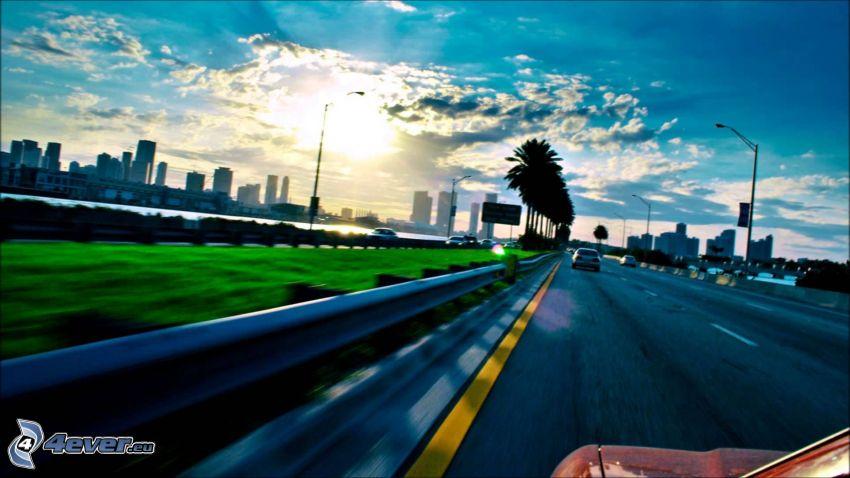 Autobahn, Sonne, City, Geschwindigkeit