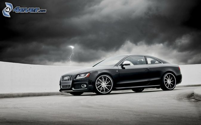 Audi S6, mörka moln, blixt
