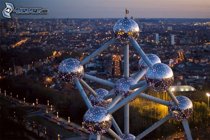 Atomium, Bryssel, kvällsstad